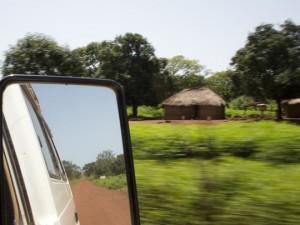 У двух убитых в Центрально-Африканской Республике нашли пресс-карты «Известий»