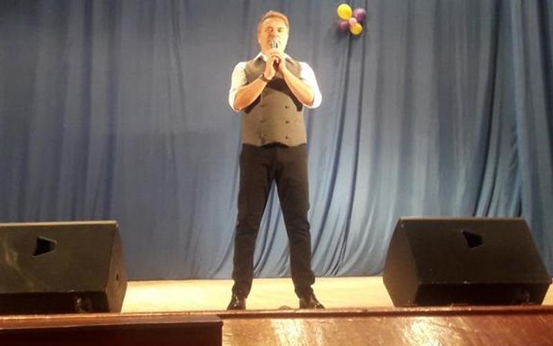 Брянских верующих поздравил певец Александр Добронравов