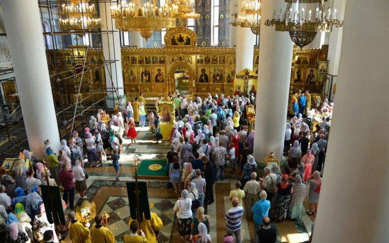Тысячи брянских верующих отметили Крещение Руси