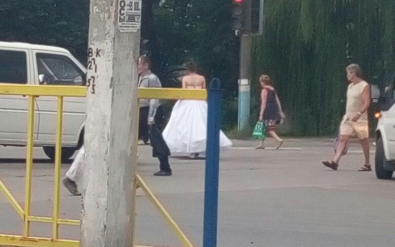 В соцсетях брянцы обсуждают сбежавшую невесту