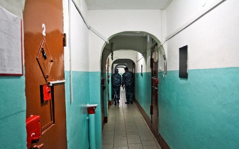Избивших брянца полицейских отправили в СИЗО