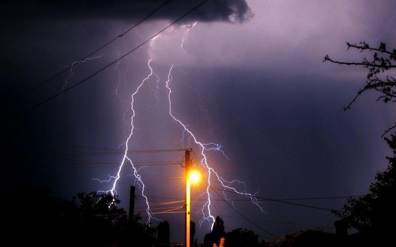 Синоптики вновь обещают брянцам дождь сгрозой
