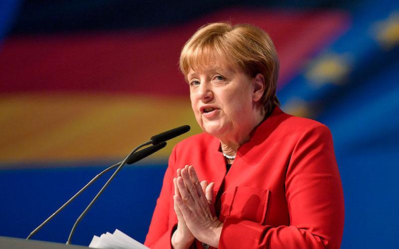«Меркель склонилась перед интересами США»