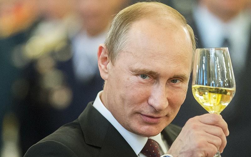 Владимир Путин поздравит 163 брянских долгожителя