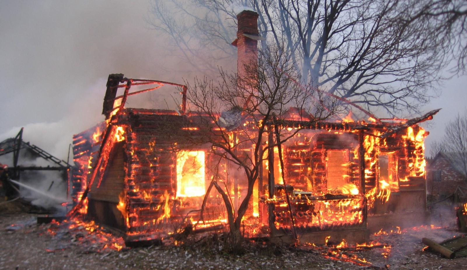 В Жуковском пожаре пострадал человек