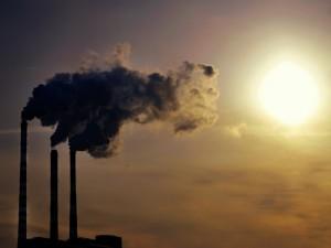 Пеленой промышленных выбросов накрыло Челябинск утром вторника