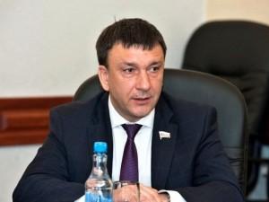Он голосовал за повышение пенсионного возраста. Депутат Владимир Афонский