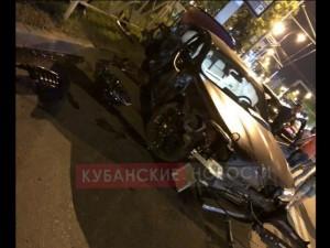 В ночной аварии в кубанской столице «замечен» знаменитый футболист