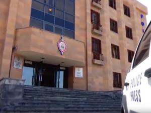Возмущенные геи штурмом взяли отделение полиции