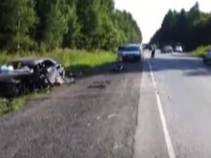 Водитель «Тойота Авенсис» погиб в лобовом столкновении с грузовиком