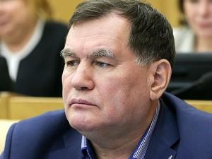 Он голосовал за повышение пенсионного возраста. Депутат Ильдар Бикбаев