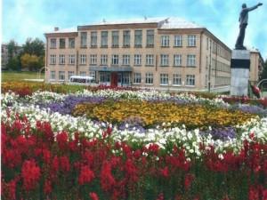 Минобразования Челябинской области изучает ситуацию с увольнением директора школы в Верхнем Уфалее