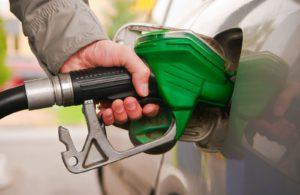 Смена правительства «подняла» цены на бензин. Объяснил Аркадий Дворкович