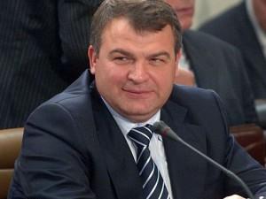 865 рублей взыщут по суду с экс-министра Сердюкова
