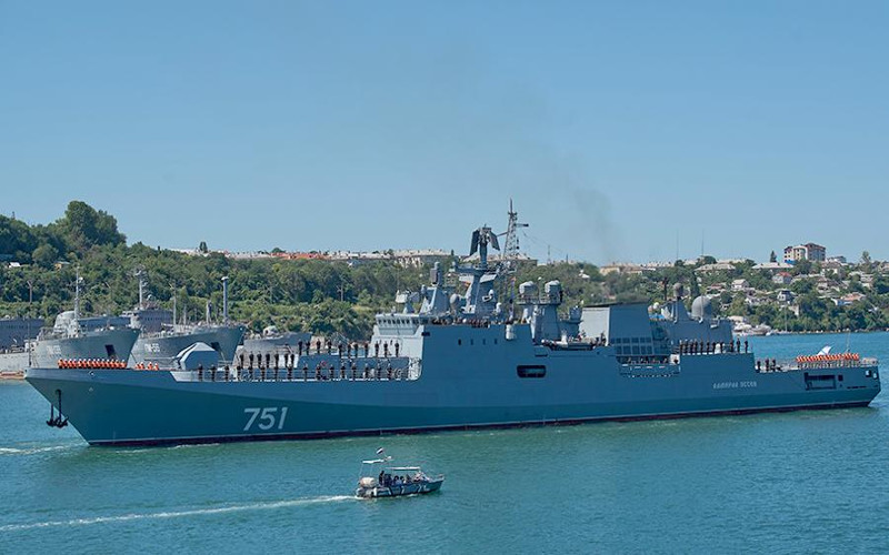 Российские моряки выловили американскую подлодку
