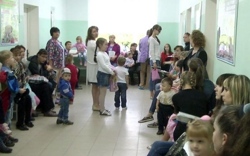Брянцам пообещали не закрывать детскую поликлинику
