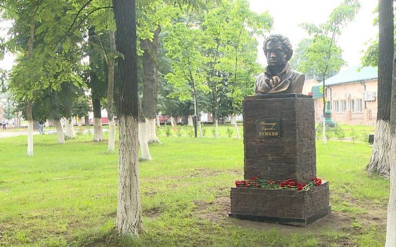 Клинчане продлили жизнь Пушкину и Воровскому