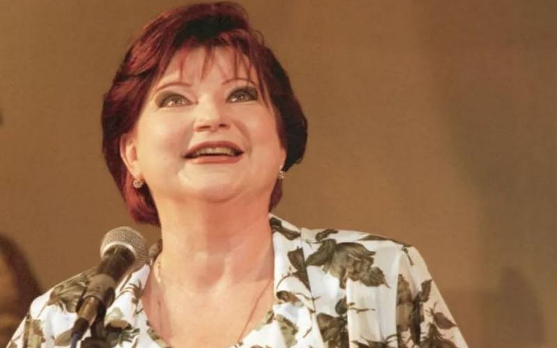 «Веселая и красивая» Елена Степаненко приедет смешить брянцев