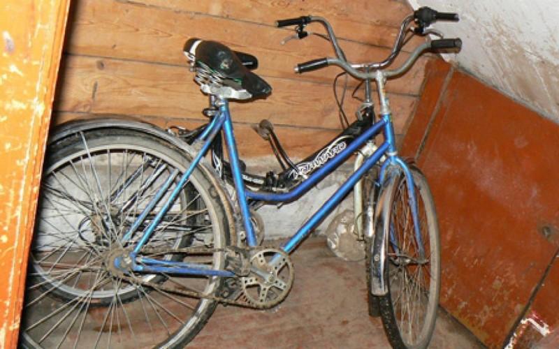 Брянский уголовник украл из подвала велосипед