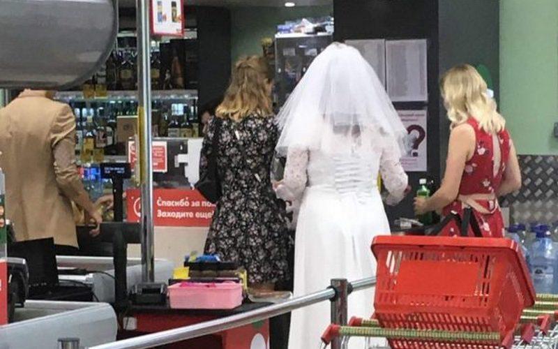 В почепском магазине увидели сбежавшую невесту