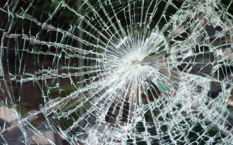 Под Жирятино разбился 30-летний автомобилист