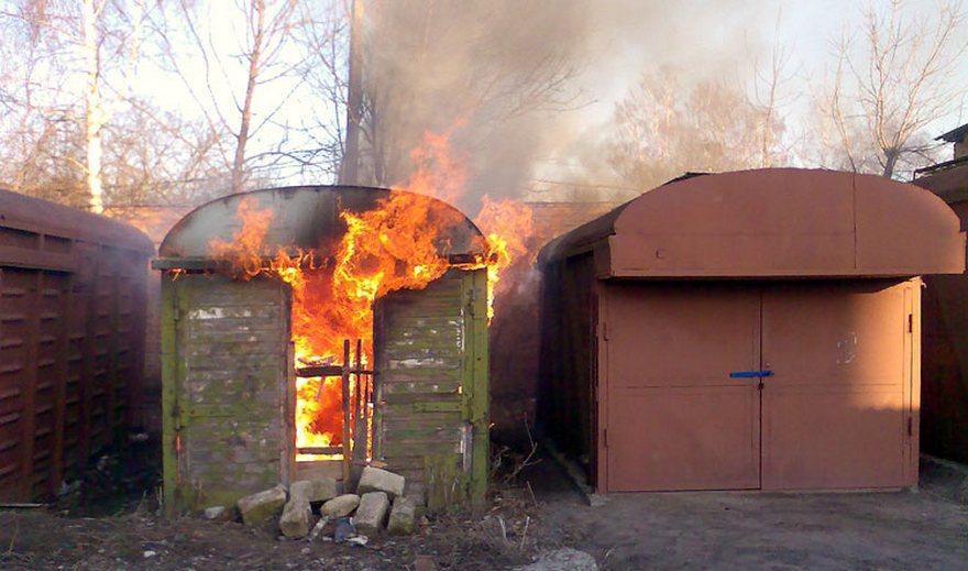 В Советском районе Брянска горел гараж