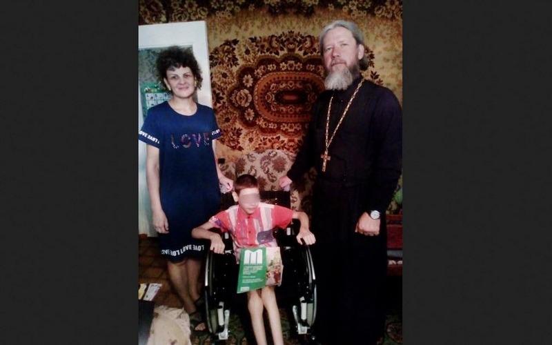 В Брянске всем миром собрали деньги на инвалидную коляску для ребенка