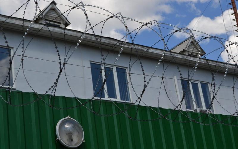 Дебошир из Злынковского района за удар в голову полицейскому угодил в колонию