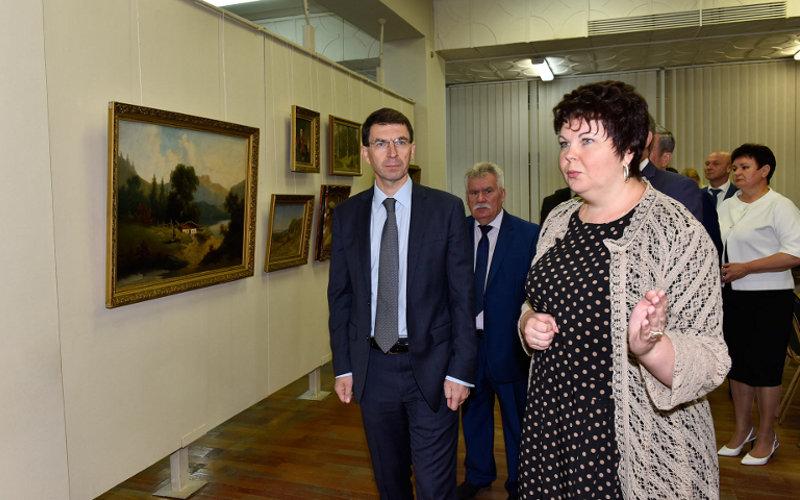 Полпреда президента заинтересовали картины Боровиковского вбрянском музее