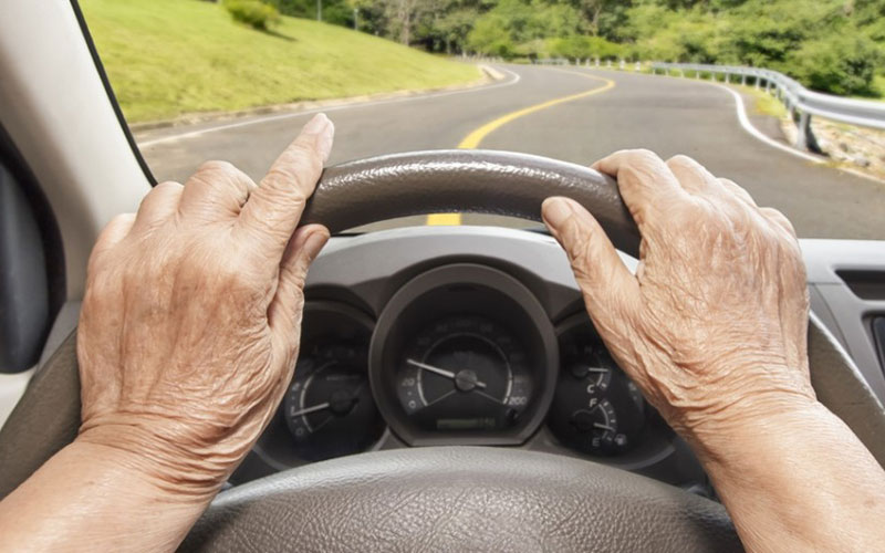 Ваварии набрянской трассе разбился 77-летний водитель