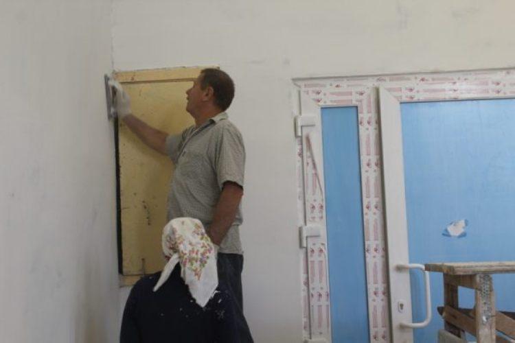 В Дубровке ремонтируют Сещинский Дом культуры