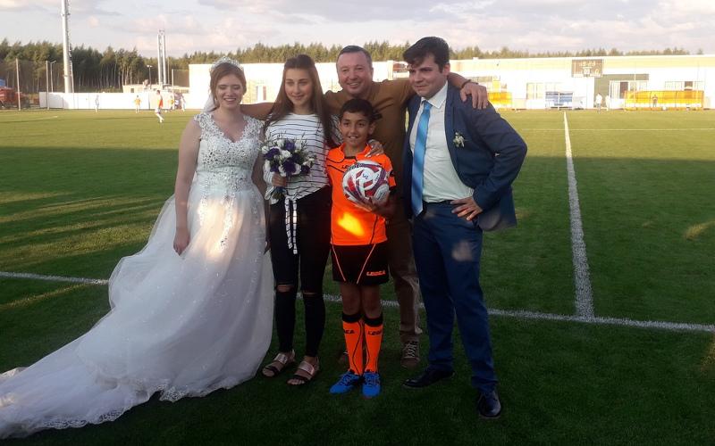 Калужанин Олег женился на Алине из Брянска в перерыве футбольного матча