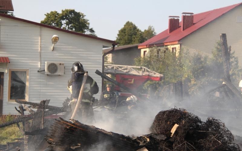 ВБелых Берегах горела мебельная фабрика