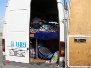 13 мигрантов перевозили в грузовом фургоне