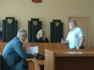 На 75 тысяч рублей оштрафовали учителя-пенсионера за участие в акции движения Навального