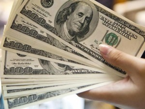 Сбербанк потерял 10 процентов валютных вкладов