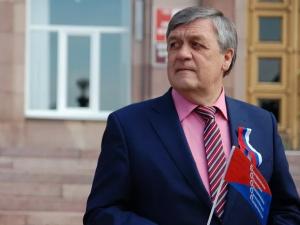 Он голосовал за повышение пенсионного возраста. Депутат Сергей Боженов