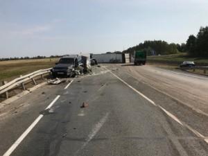 3 детей и 2 взрослых погибли в ДТП. Фура из Челябинска попала в страшную аварию