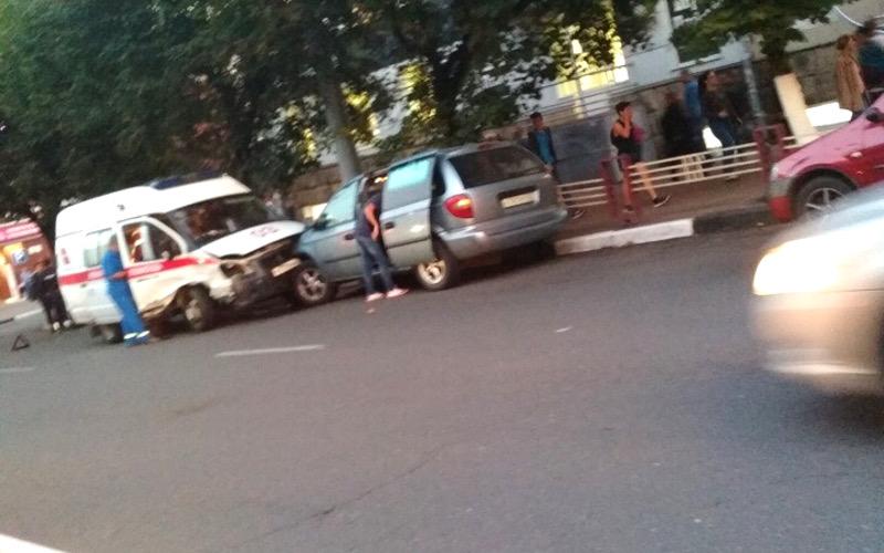 Стали известны обстоятельства ДТП со скорой помощью в центре Брянска
