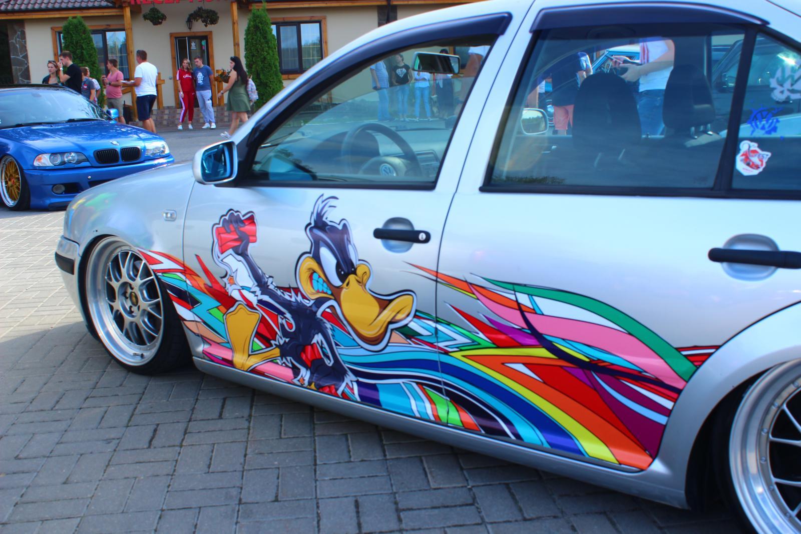 Под Брянском прошел фестиваль заниженных авто