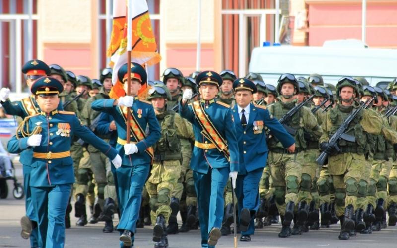 В честь Дня танкиста в Клинцах устроили парад
