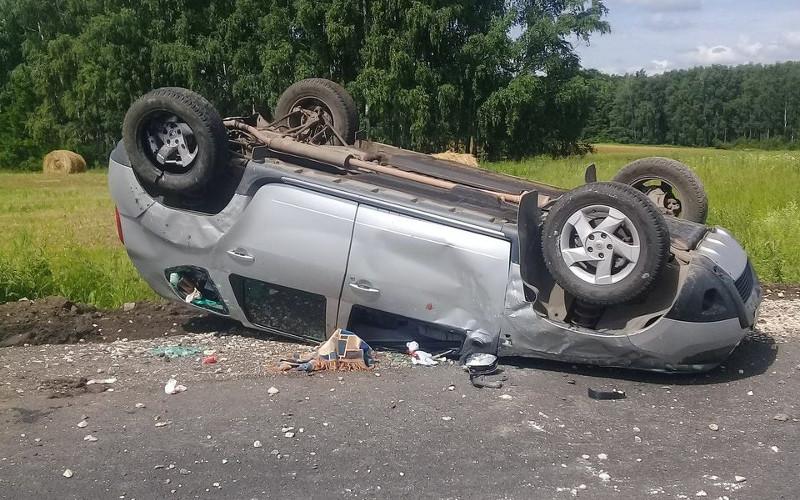 В Климовском районе перевернулся Renault Duster — водитель в коме