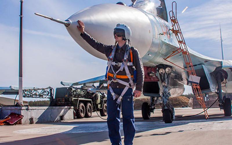 В воздушном параде в Брянске примут участие 17 самолетов и вертолетов