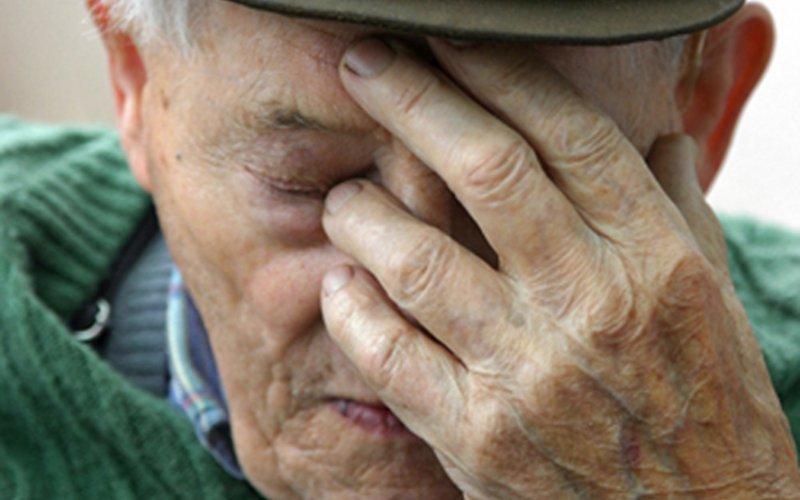 В брянском магазине рецидивист попытался ограбить пенсионера