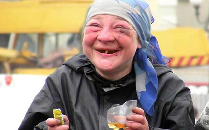 Пьяной жительнице Брянска автомобиль Kia Rio оказался не по зубам