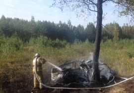 Под Клинцами после ДТП сгорела легковушка— есть пострадавшие