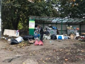 Мусор из дворов Челябинска начали вывозить