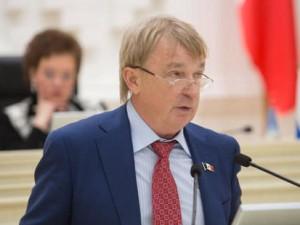 Он голосовал за повышение пенсионного возраста. Депутат Валерий Бузилов
