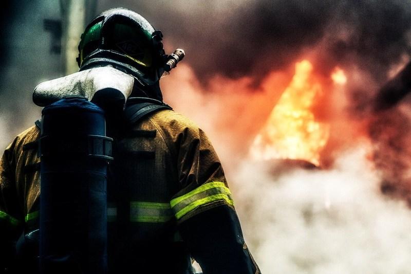 Женщина погибла в пожаре на улице Бежицкой