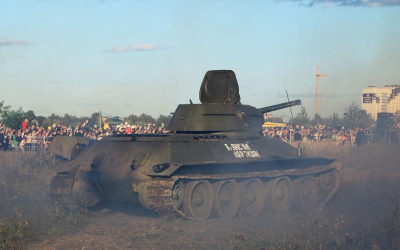Реконструкторы освободили Брянск от гитлеровцев за час